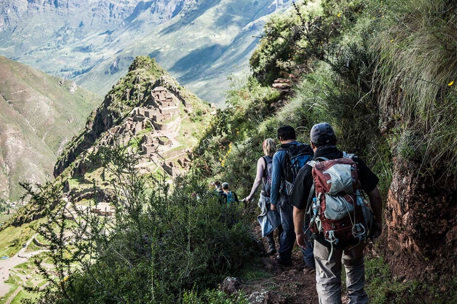 7-Day Sacred Valley & Lares Adventure to Machu Picchu