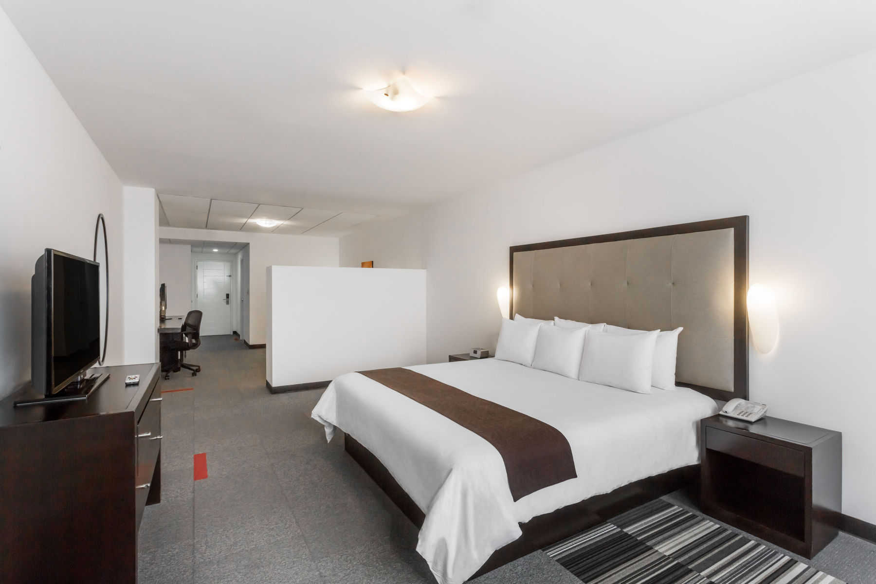 Wyndham Costa del Sol Lima Airport Rooms